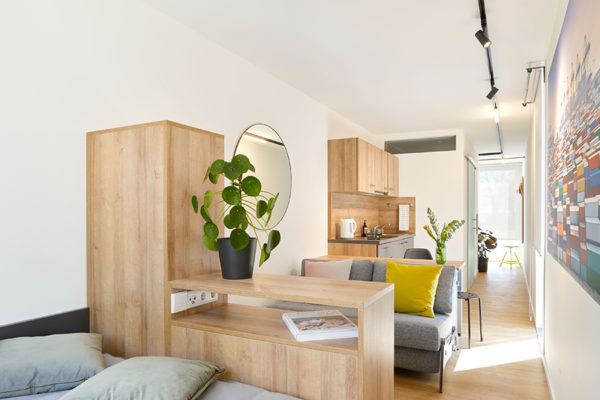 2entire-tiny-house-smart-container